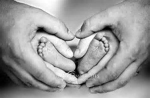 baby feet hearts